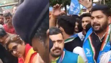 Photo of Terrorist, Go Back: NSUI members raise slogans against Pragya