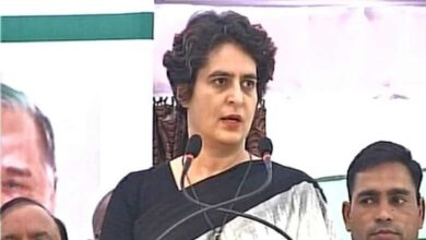 Photo of Priyanka bats for arrested Congress member, attacks UP govt