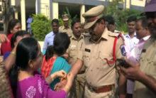 TS: Rakhis, 'zindabad' slogans for cops after encounter