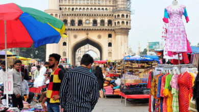 Photo of Hawkers return to Charminar; no place for tourists to move around