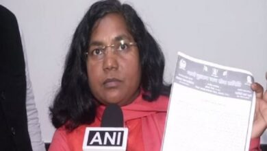 Photo of Savitri Bai Phule resigns from Cong, says 'will form own party'