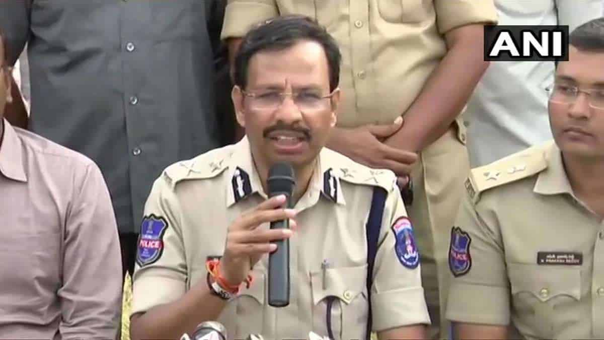 Families of slain Hyd accused to wait longer for last rites