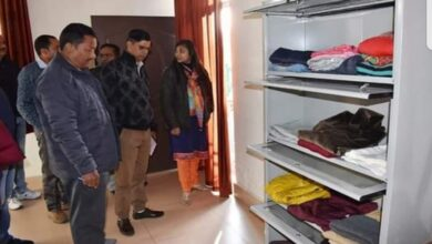 Photo of Chamoli:Administration opens free clothes bank to cater to needy