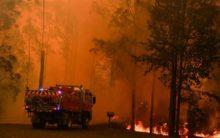 Mega bushfire near Sydney 'too big to put out'