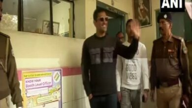 Photo of Jharkhand: Dhoni casts his vote in third phase of polling