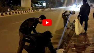 Photo of Jamia students clean up roads after protest, win hearts