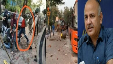 Photo of Manish Sisodia levels allegation against police, shares videos