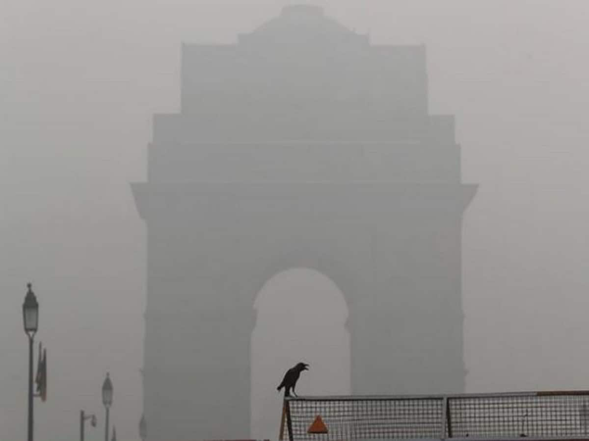 Delhi pollution: Air quality plunges to 'very poor'
