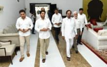 KCR  welcomes  AP CM YS Jagan Mohan Reddy