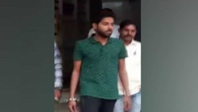 Photo of Man arrested for posing as IAS officer to dupe girls