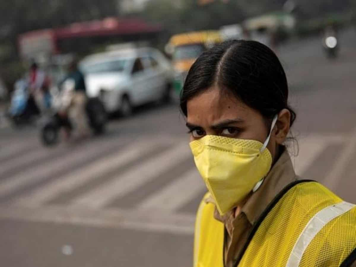 Delhi air quality plunges to 'very poor', AQI at 336