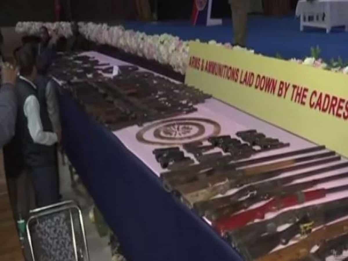 644 militants of 8 outfits lay down arms before Assam CM
