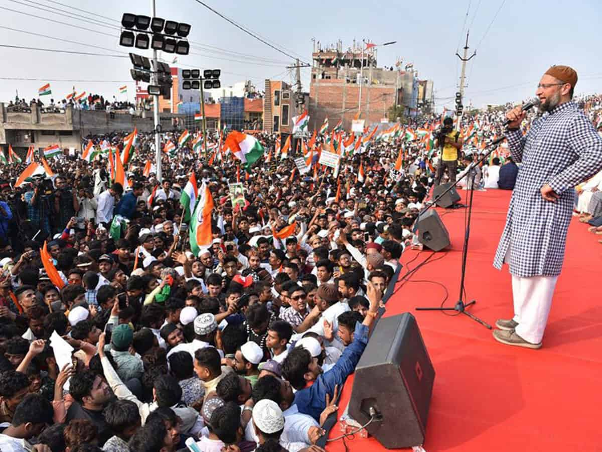 Asad Owaisi addressing protesters