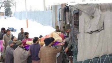 Photo of BSF troops evacuate woman in labour pain during heavy snowfall
