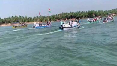 Photo of Hundreds travel by boats to join anti-CAA protest in Mangaluru