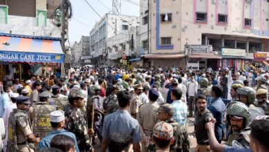 Photo of Police arrest protesters near Charminar