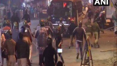 Photo of Jadavpur University students, police clash in Kolkata