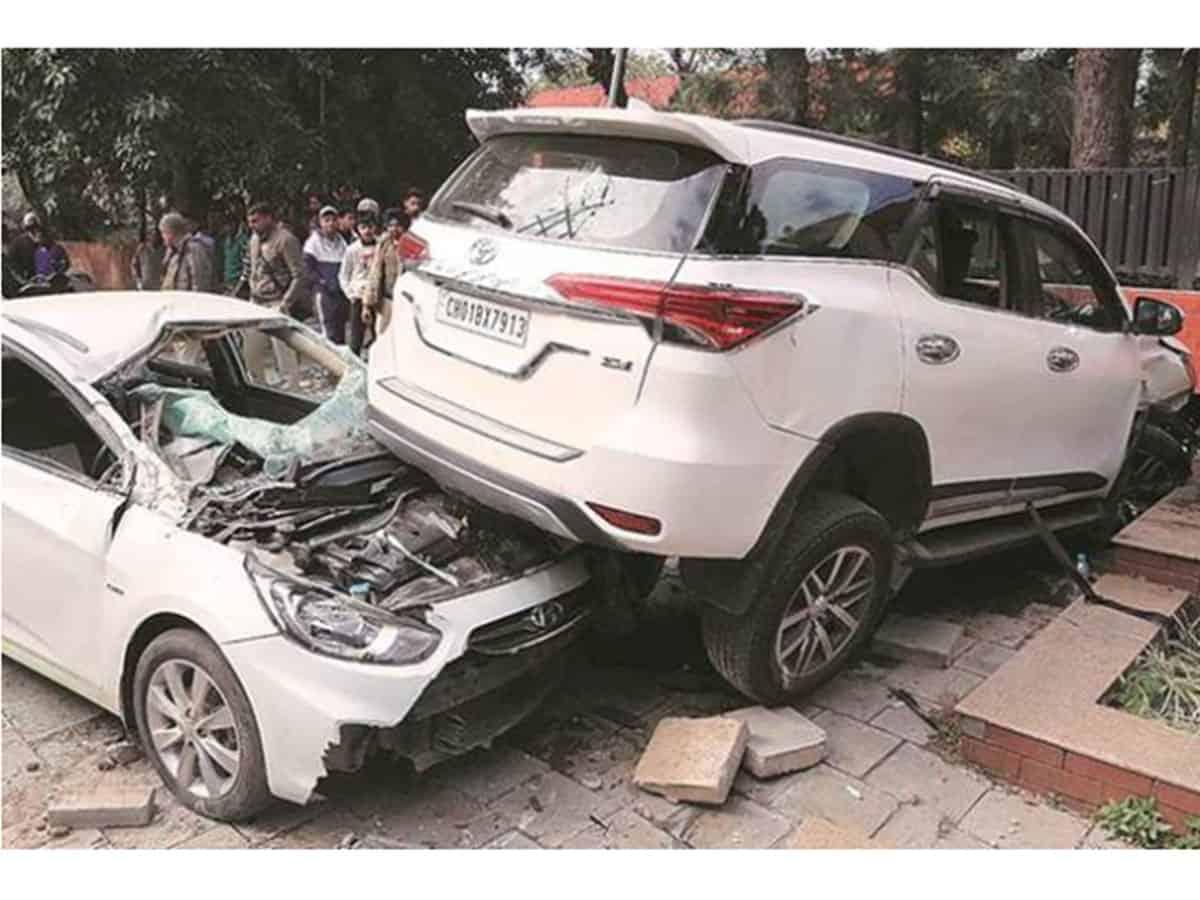 Toyota Fortuner Crashed