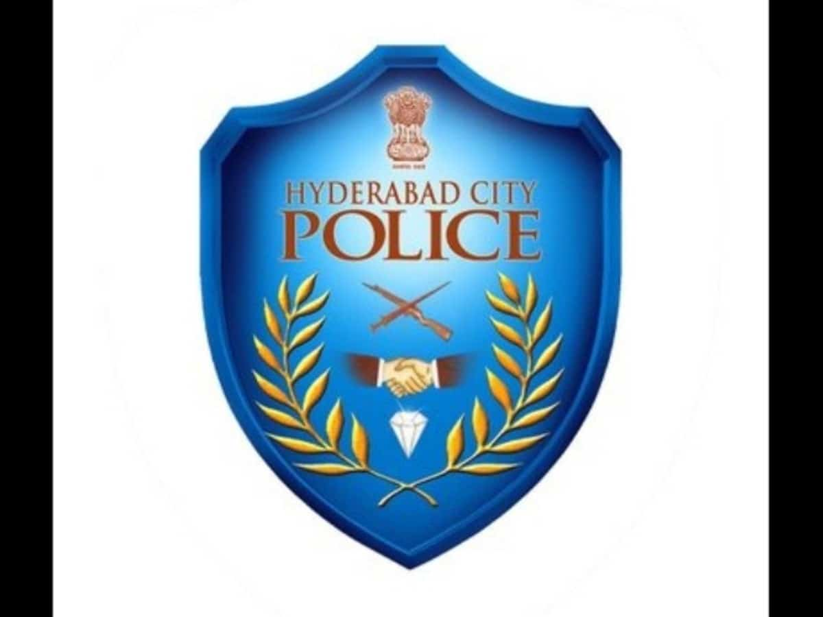 Asifnagar police inspector praises BJP through official twitter