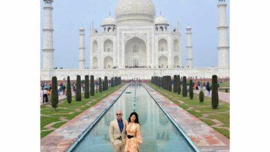 Photo of Jeff Bezos visits Taj Mahal with girlfriend Lauren Sanchez
