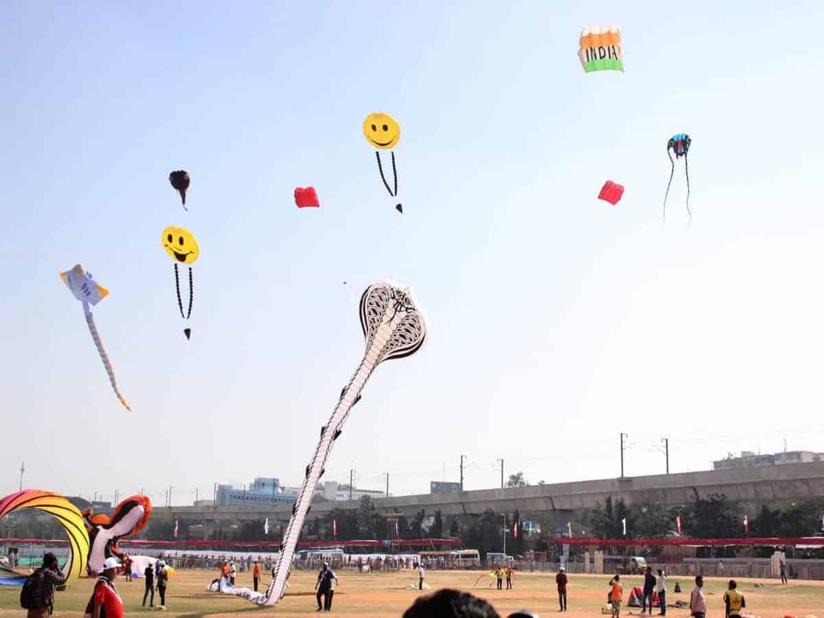 More than 12 lakh visit Kite fest at Secunderabad