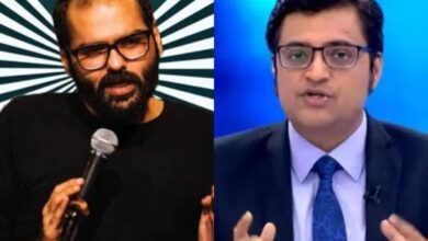 Photo of Kunal Kamra accosts Arnab Goswami, shares video