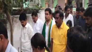 Photo of Nara Lokesh released from Andhra police station