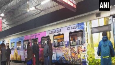 Photo of Lucknow-Delhi Tejas Express beautified with decals