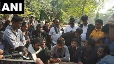 Photo of DMK youth wing leader Udhayanidhi Stalin meets JNU students