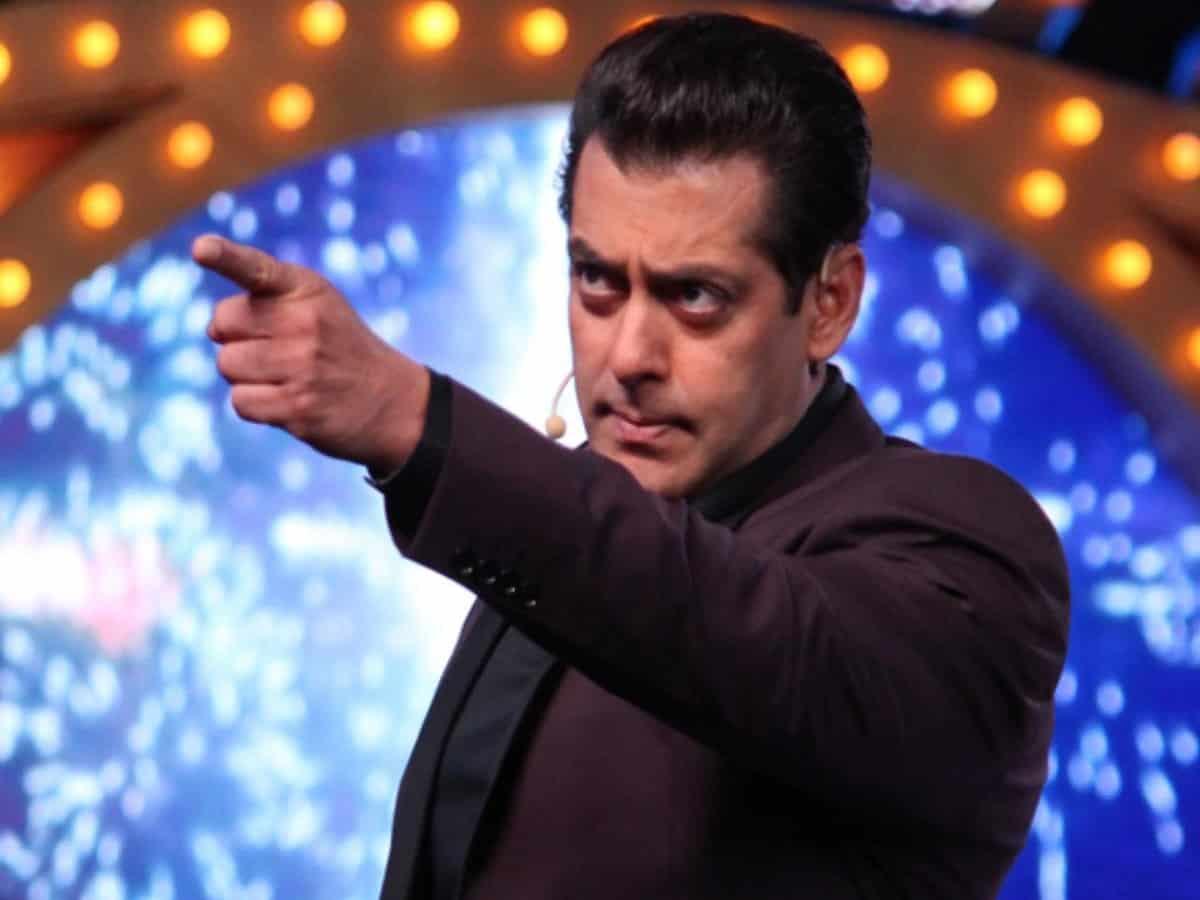 Bigg Boss 13 Salman Khan Ousts Madhurima Tuli From Show