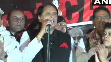 Photo of Shaheen Bagh: Shashi Tharoor applauds determination of women