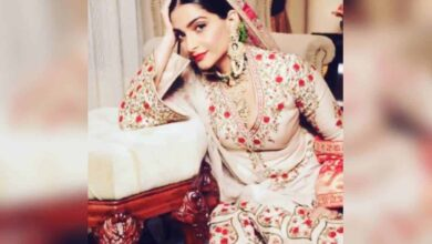 Photo of Sonam Kapoor has her 'Mughal-E-Azam' moment on Instagram