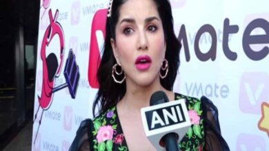 Photo of Sunny Leone condemns violence at JNU
