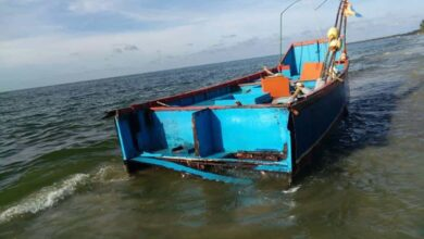 Photo of Andhra govt resumes boat services in river Krishna