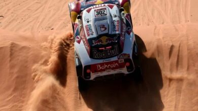 Photo of Peterhansel takes stage but Sainz retains Dakar lead