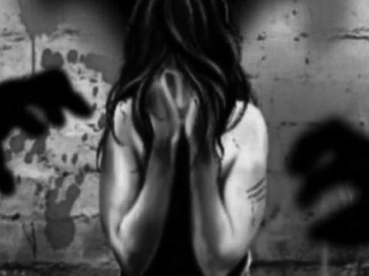 Minor girl gang-raped by 3 men in outskirts of Hyderabad