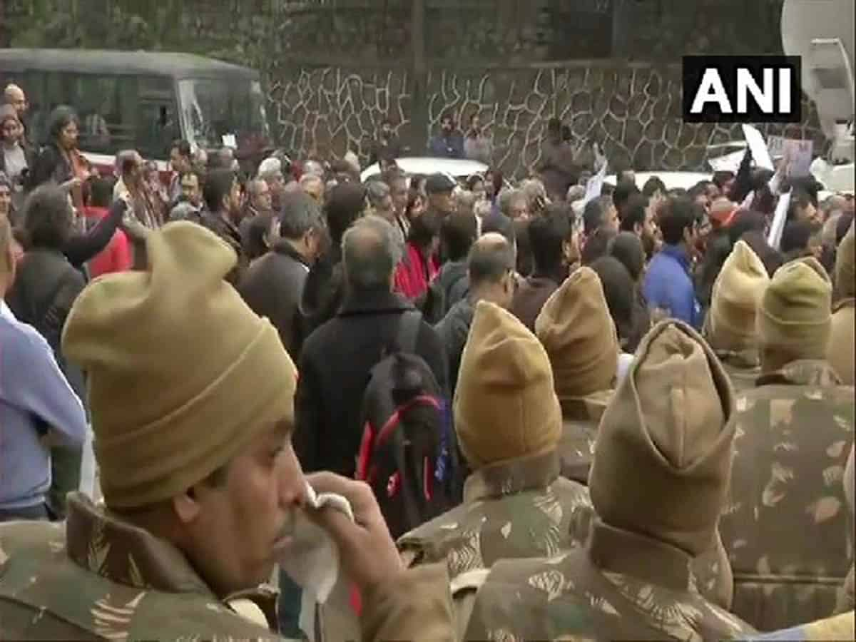 JNU violence: Students union alleges inaction of Delhi police