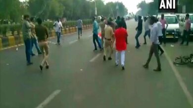 Photo of Clash erupts between ABVP, NSUI workers in Ahmedabad
