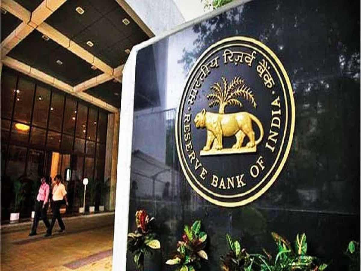 RBI imposes penalty on HDFC