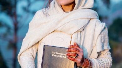 Photo of Canadian travel blogger Rosie Gabrielle embraces Islam