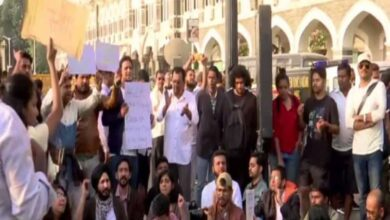 Photo of Students protest at Gateway of India in solidarity with JNU