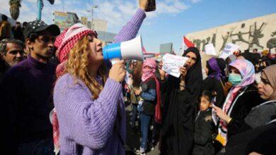 Photo of Iraqi women take to streets, defy Shia cleric