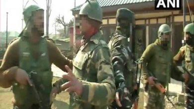 Photo of 4 injured in grenade attack in Srinagar's Lal Chowk