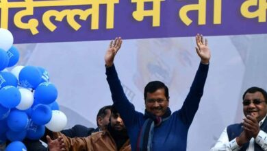 Photo of Kejriwal shares stage with 50 'aam aadmi' from Delhi
