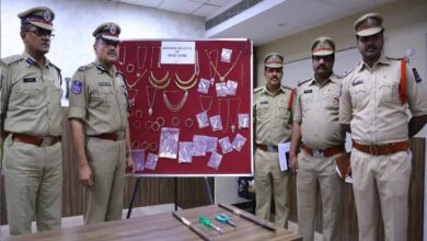 Photo of Police recover jewelry worth Rs. 1.5 Cr from servant thieves