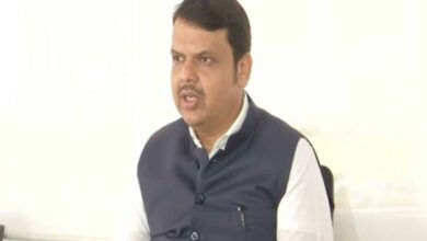 Photo of Fadnavis hails SC order, Raut says no one above law