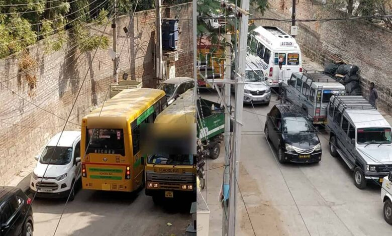 Illegal parking on lanes irks Hyderabad's Gaganmahal residents