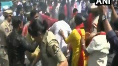 Photo of Hyd: CPI worker detained for trying to burn Amit Shah's effigy