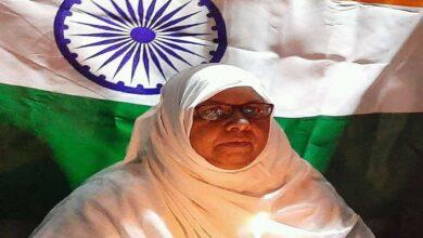 Photo of Hyderabad's Khalida Parveen, 65, fights against CAA-NRC