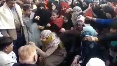 Photo of CAA-NRC: Women in UP throw bangles at Ulema, force them to leave